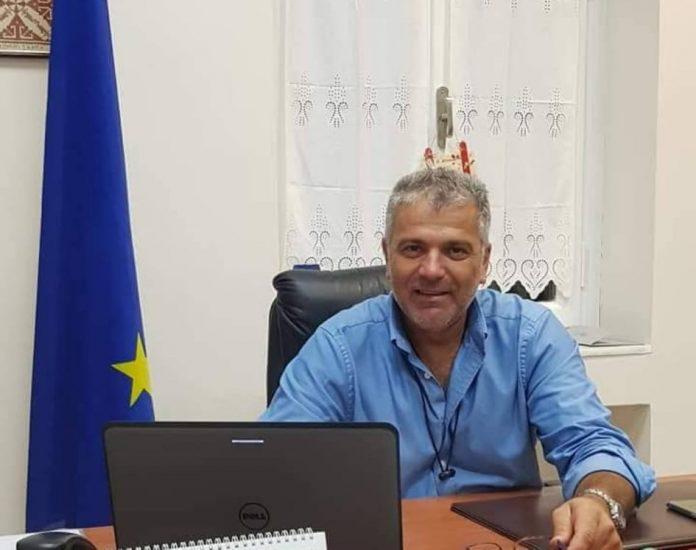 Αποκλεισιτκό Σκύρος-Ενισχύει την οικονομική υπηρεσία του Δήμου, ο Νίκος Μαυρίκος