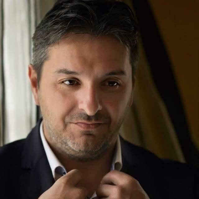 Δημήτρης Σκαρλάς: Έφτασε ο κόμπος στο χτένι με τα καταστήματα στην παραλία Αμαρύνθου