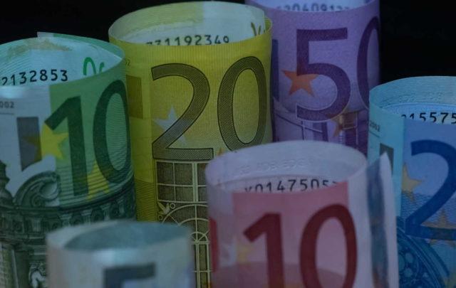 Δόσεις… αβέρτα! Έτσι θα πληρώσετε ΕΝΦΙΑ και φόρο εισοδήματος – Ποιοι δικαιούνται έκπτωση
