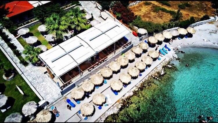 Γαλάζια Λίμνη στη Ν. Εύβοια – Ο must προορισμός αυτό το καλοκαίρι