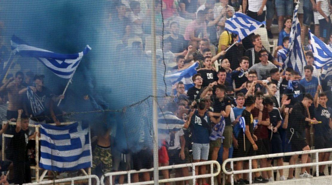 Ο Μητσοτάκης ακύρωσε την επιστροφή οπαδών στα γήπεδα
