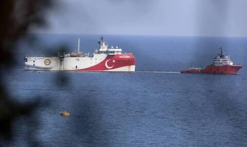 Κλιμακώνει την προκλητική της στάση η Τουρκία-Oruc Reis: Έφτασε στα 9 ναυτικά μίλια από το Καστελλόριζο