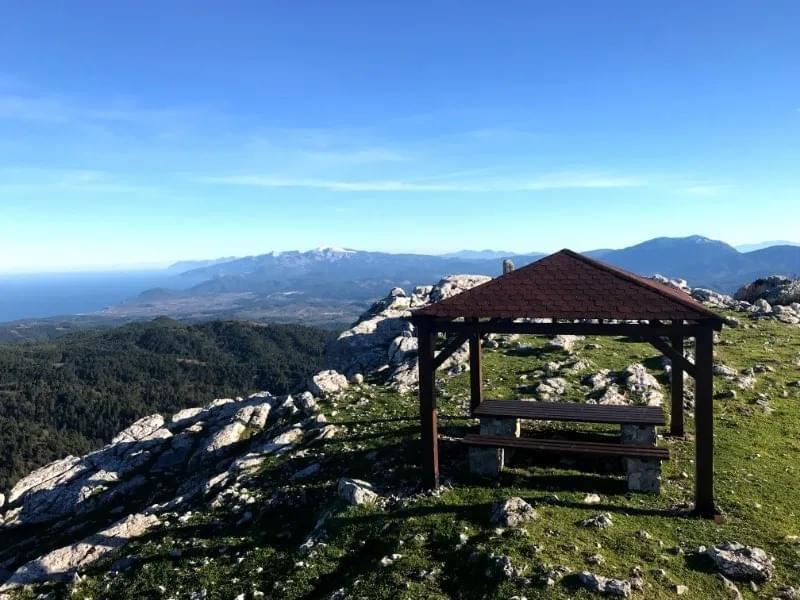 Ξηρόν Όρος: Το υψηλότερο βουνό στην Βόρεια Εύβοια [εικόνες]