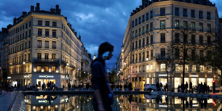 Γαλλία – Κορονοϊός: Δραματικό διάγγελμα Μακρόν! Σε lockdown η χώρα τουλάχιστον μέχρι 1η Δεκέμβρη