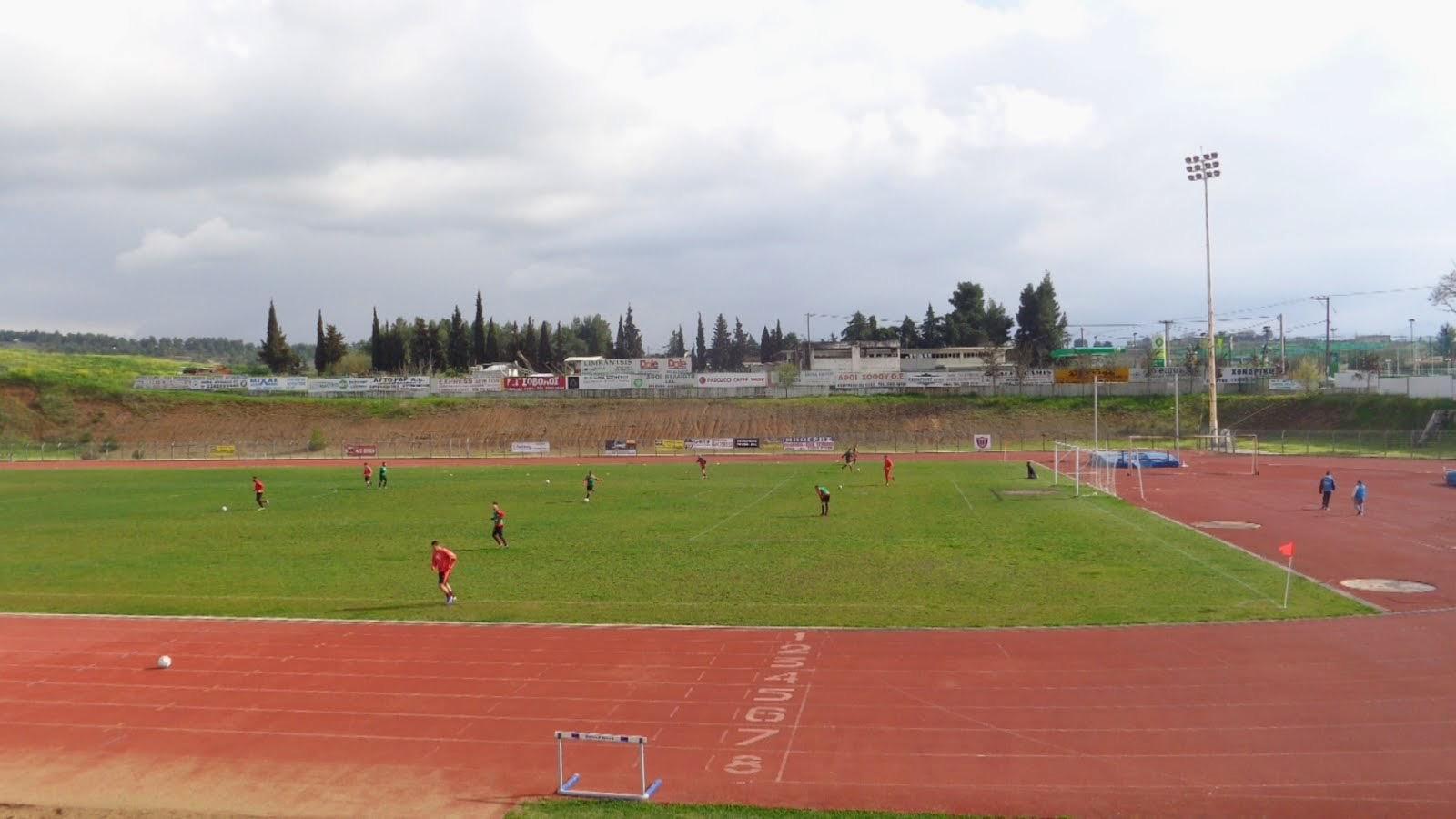 Σπανός: Η Περιφέρεια Στερεάς Ελλάδας βελτιώνει τις αθλητικές εγκαταστάσεις του Δημοτικού Σταδίου Θήβας