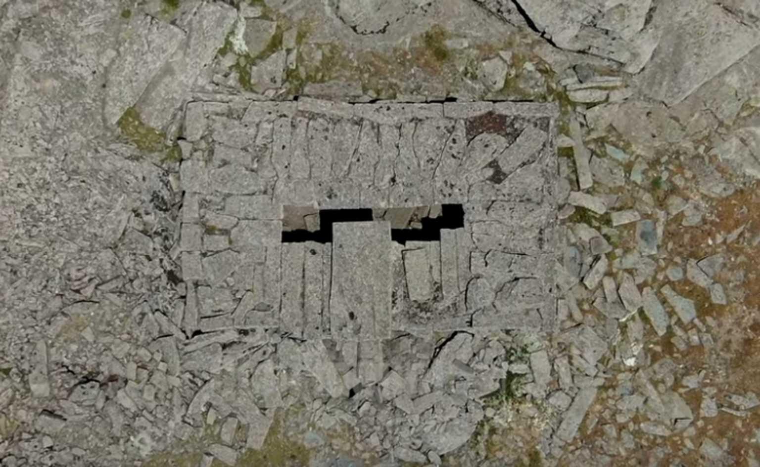 """Εύβοια: Το ελληνικό """"σπίτι του δράκου"""" στα 1.365 μέτρα! Ταξίδι στο χρόνο με εικόνες που καθηλώνουν (Βίντεο)"""