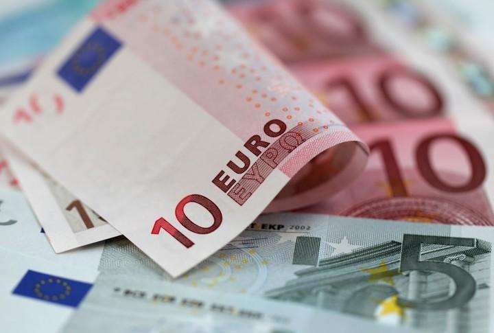 Ποιες επιχειρήσεις δικαιούνται αναστολή καταβολής ΦΠΑ μέχρι τον Απρίλιο