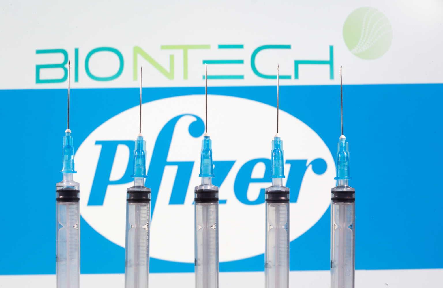 «Πράσινο φως» από την Κομισιόν για τη χρήση του εμβολίου των Pfizer/BioNTech