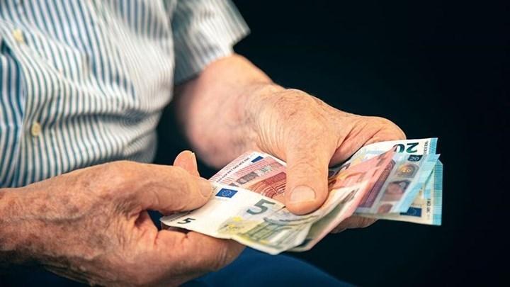 Ποιοι θα δουν αυξήσεις έως 173 ευρώ το μήνα με αναδρομικά 2.500 ευρώ το 2021 [πίνακες & παραδείγματα]