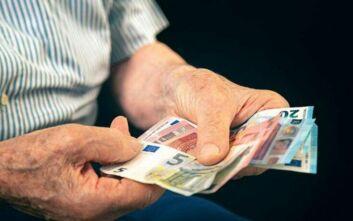 Συντάξεις: Αυξήσεις ανάλογα με το μισθό και τα έτη για παλαιούς και νέους (ΠΙΝΑΚΕΣ)