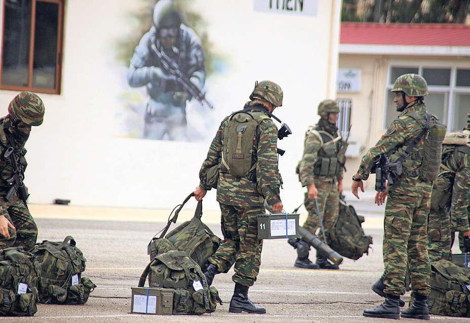 Στρατιωτική θητεία: 12 μήνες από τον Μάιο – Ποιοι θα μπορούν να κάνουν 9μηνο