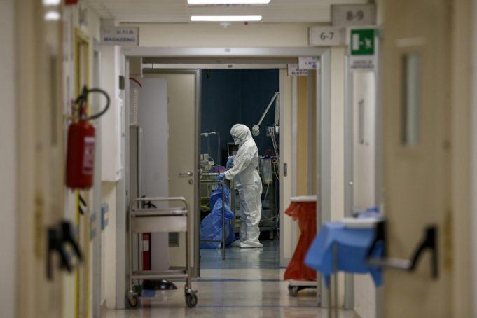 Κορονοϊός: 928 νέα κρούσματα, 405 διασωληνωμένοι και 40 νέοι θάνατοι