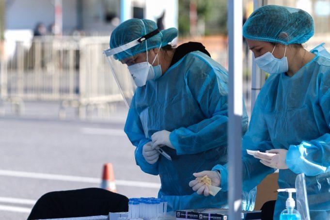 Κορονοϊός: 721 νέα κρούσματα, 49 θάνατοι, 386 διασωληνωμένοι
